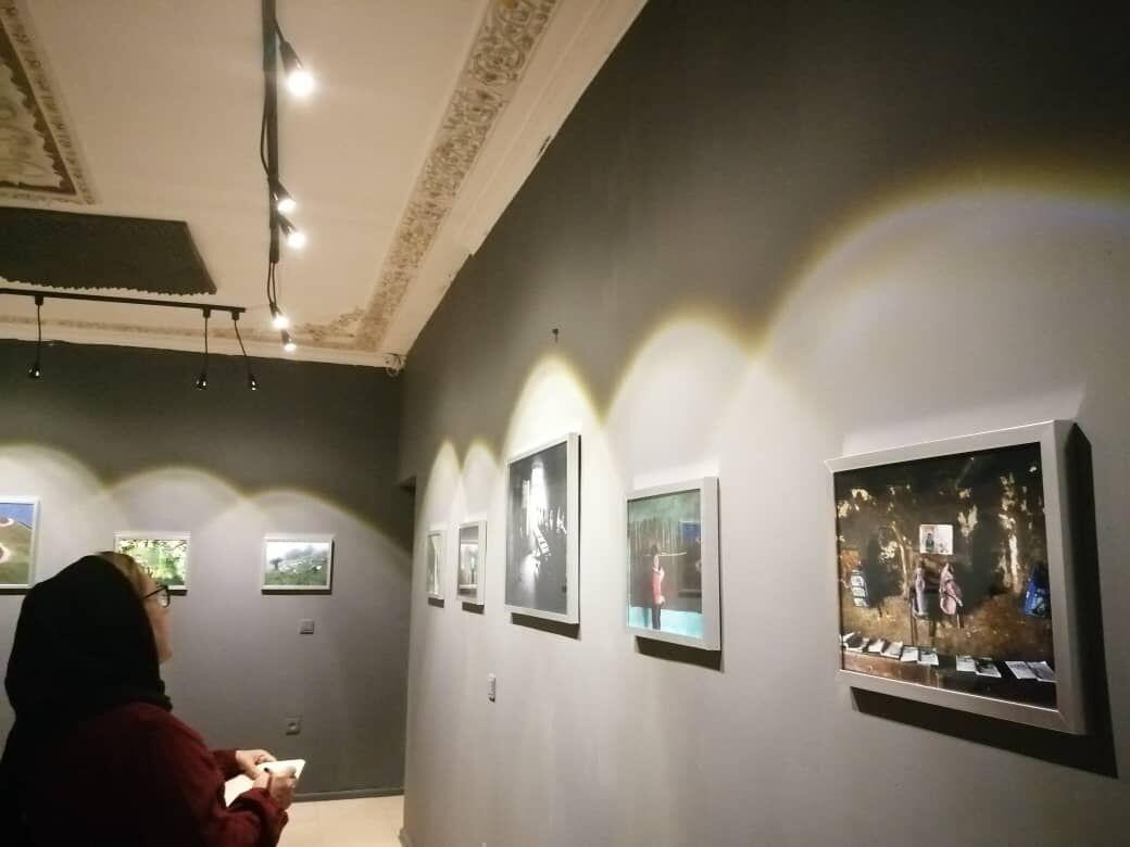 عکس های شباب گلچین در نگارخانه ارغوان رشت